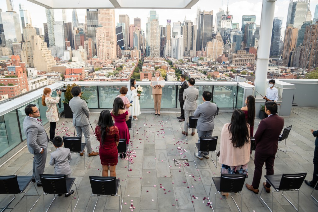 Photo 13 Ryan and Grace penthouse elopement in New York